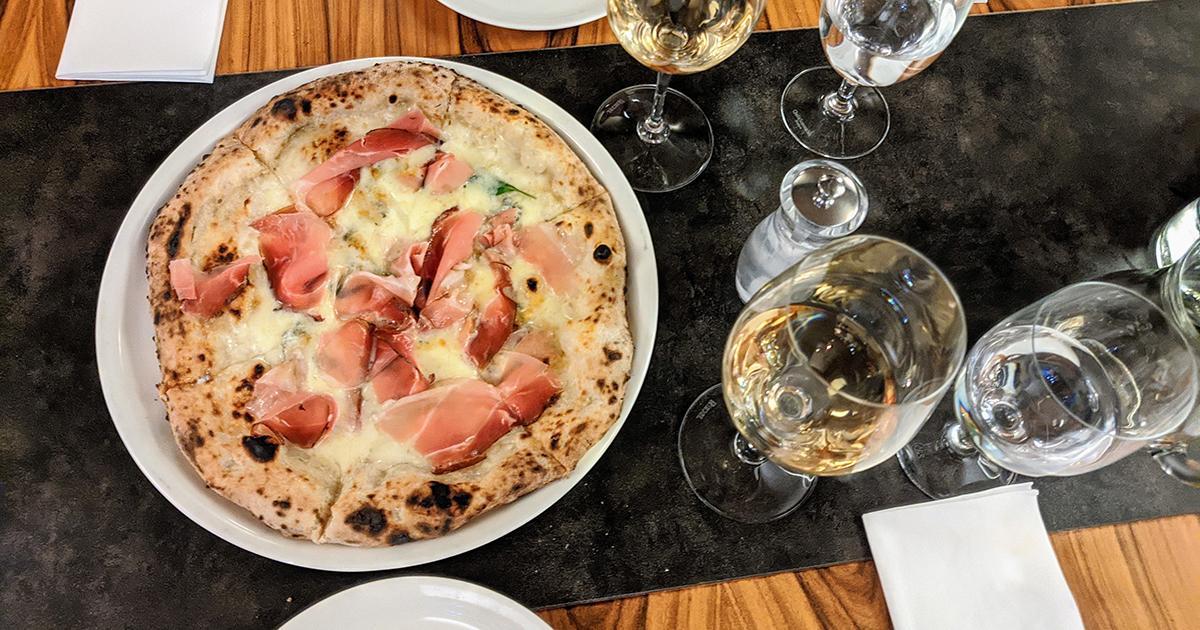 pizza nuova prague social